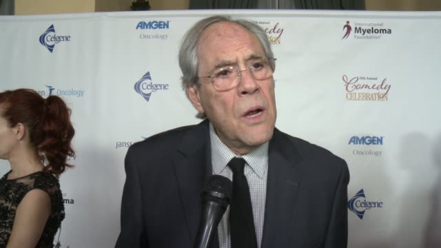 vídeos de stock e filmes b-roll de robert klein on can you tell us how you got involved in this year's event, and why it's important for you to support this cause, on what can we... - wilshire ebell theatre