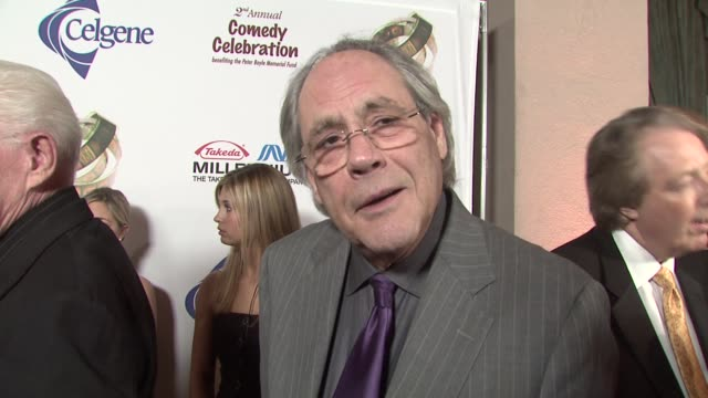 robert klein on what the evening means to him personally, his fondest memory of peter boyle, what he's most looking forward to during the show at the... - peter boyle stock videos & royalty-free footage