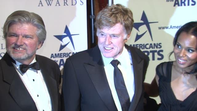 robert l. lynch, robert redford and kerry washington at the 2009 national arts awards at new york ny. - ロバート・レッドフォード点の映像素材/bロール