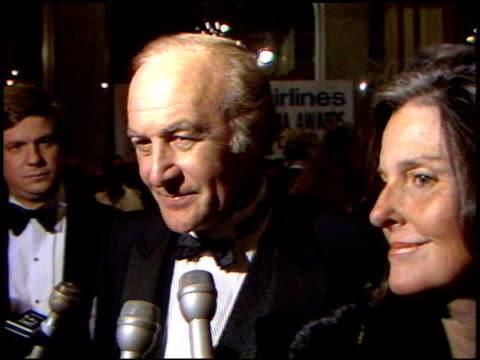vídeos de stock e filmes b-roll de robert loggia at the 4th annual american cinema awards at the beverly wilshire hotel in beverly hills california on september 20 1987 - 1987