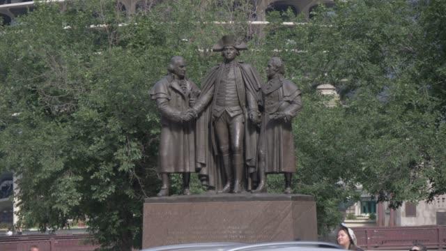 robert morris, george washington, haym salomon memorial statue, chicago, illinois, united states of america, north america - american revolution stock videos & royalty-free footage