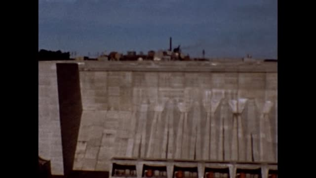 vidéos et rushes de 1965 robert moses niagara power plant - béton