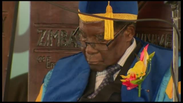 Robert Mugabe falling asleep at the opening of a graduation ceremony