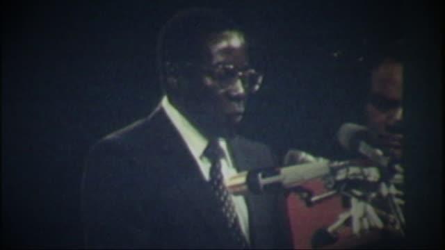 Mugabe profile T18048015 / TX ZIMBABWE Harare Robert Mugabe swearing oath on independence of Zimbabwe SOT