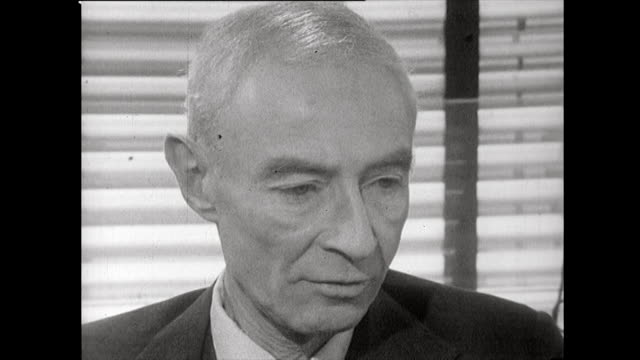 vídeos y material grabado en eventos de stock de robert oppenheimer explains how he felt the prospect of invading japan was terrible for everyone but also feels that dropping the atomic bomb on... - editorial