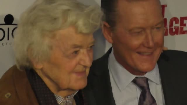 robert patrick and hal holbrook at the premiere of 'last rampage the escape of gary tison' from epic pictures releasing at arclight cinemas on june... - arclight cinemas hollywood 個影片檔及 b 捲影像