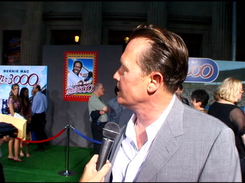 robert patrick on bernie mac and baseball at the 'mr 3000' los angeles premiere arrivals at the el kapitan theater in hollywood, california on... - bernie mac stock videos & royalty-free footage