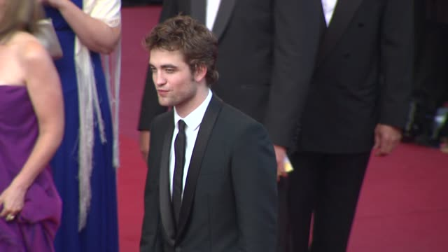 robert pattinson at the cannes film festival 2009 inglourious basterds steps at cannes - 62 ° festival internazionale del cinema di cannes video stock e b–roll