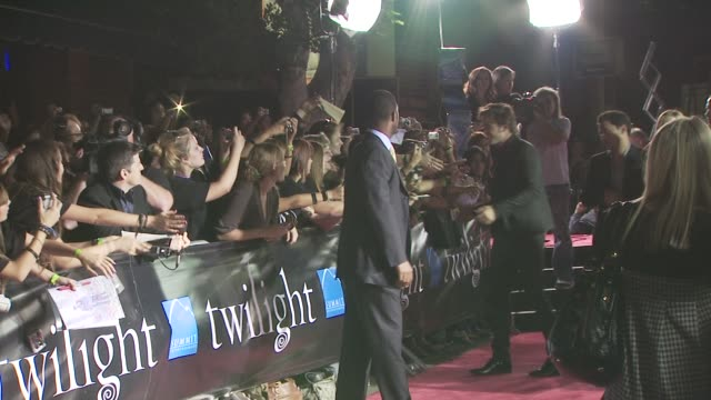 robert pattinson at the 'twilight' premiere at los angeles ca. - twilight stock videos & royalty-free footage