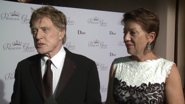 interview robert redford sibylle szaggars redford at the 2015 princess grace awards gala on september 05 2015 in monaco monaco - sibylle szaggars stock-videos und b-roll-filmmaterial