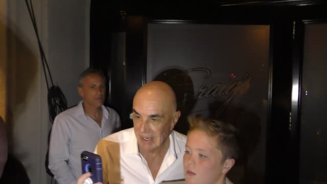 Robert Shapiro outside Craig's Restaurant in West Hollywood in Celebrity Sightings in Los Angeles