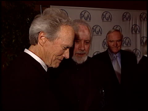 stockvideo's en b-roll-footage met robert towne at the 2004 producers guild of america awards at the century plaza hotel in century city california on january 17 2004 - century plaza