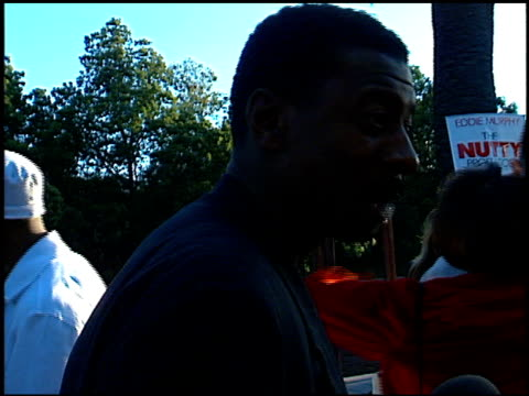 robert townsend at the premiere of 'the nutty professor' at universal amphitheatre in universal city california on june 28 1996 - 1996 stock videos & royalty-free footage