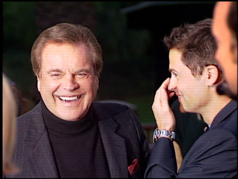 robert wagner at the 'austin powers the spy who shagged me' premiere at universal amphitheatre in universal city california on june 8 1999 - robert wagner stock videos & royalty-free footage