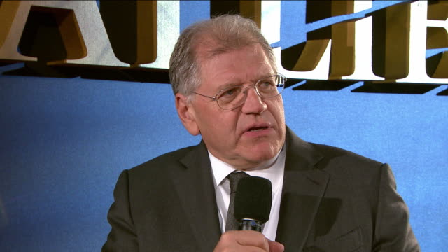 interview robert zemeckis on bring the film to london filming in london what attracted him to the project working with the cast the film at 'allied'... - robert zemeckis stock videos and b-roll footage