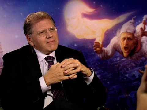 robert zemeckis on how it's not just jim carrey's voice in this performance on how carrey should win awards for this performance on how award... - robert zemeckis stock videos and b-roll footage