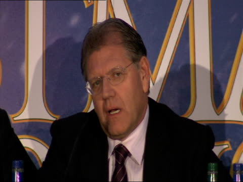 robert zemeckis on the process of making this film differs from early animation techniques at the a christmas carol press conference at london england - robert zemeckis stock videos and b-roll footage