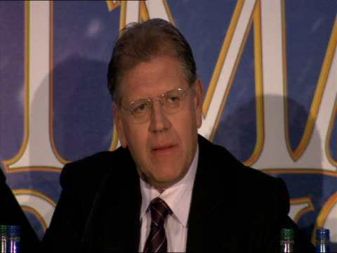robert zemeckis various story aspects of the film that worked and didn't in the editing process at the a christmas carol press conference at london... - robert zemeckis stock videos and b-roll footage