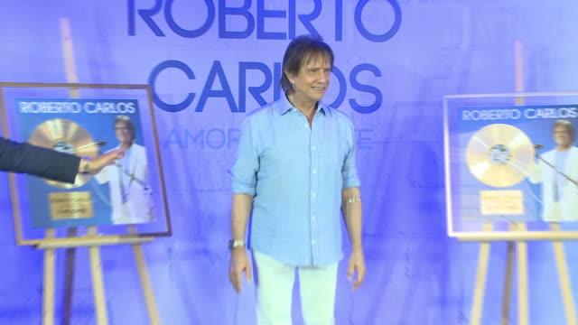 roberto carlos brasilian singer presents his new album amar sin limites in madrid - album title stock videos and b-roll footage