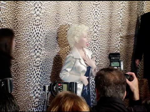 roberto cavalli and christina aguilera at the unveiling of roberto cavalli's beverly hills location at roberto cavalli boutique in los angeles,... - ブランド ロベルト・カヴァリ点の映像素材/bロール