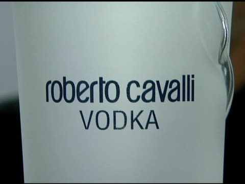 roberto cavalli vodka at the cavalli ny flagship store launch at cavalli flagship store in new york, new york on september 7, 2007. - ブランド ロベルト・カヴァリ点の映像素材/bロール