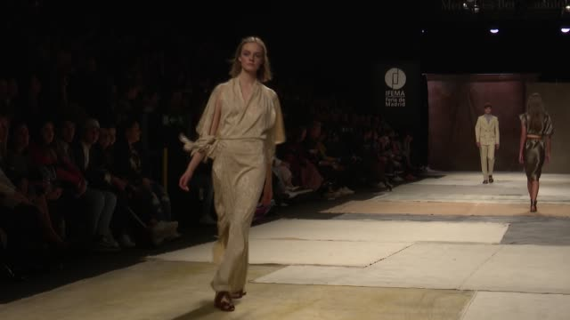 roberto verino catwalk mercedes benz fashion week madrid autumn/winter 20192020 - mercedes benz fashion week stock videos & royalty-free footage