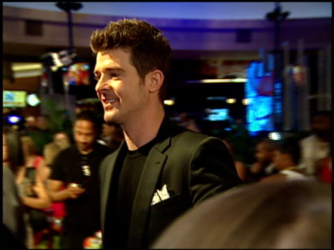 robin thicke at the 2007 mtv video music awards at the palms casino resort in las vegas nevada on september 10 2007 - mtv stock videos & royalty-free footage