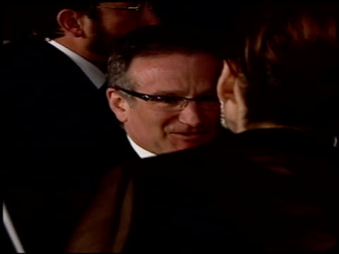 robin williams at the 2004 academy awards ballroom at the kodak theatre in hollywood california on february 29 2004 - ballroom stock videos & royalty-free footage