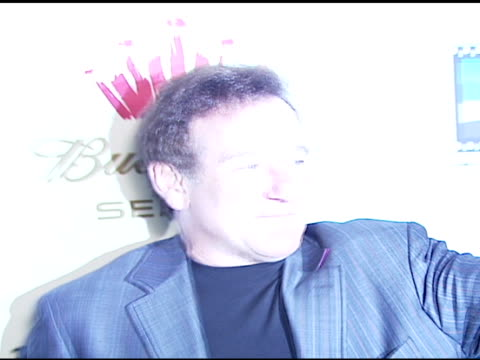 robin williams at the launch of the new triggerstreet com and their latest venture with budweiser select at social hollywood in hollywood california... - ロビン・ウィリアムズ点の映像素材/bロール