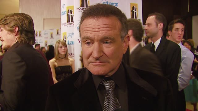 robin williams on being honored with the lifetime achievement award what he wants to achieve this evening favorite films at the hollywood film... - ロビン・ウィリアムズ点の映像素材/bロール