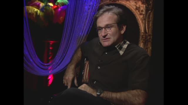 robin williams on standup comedy - ロビン・ウィリアムズ点の映像素材/bロール