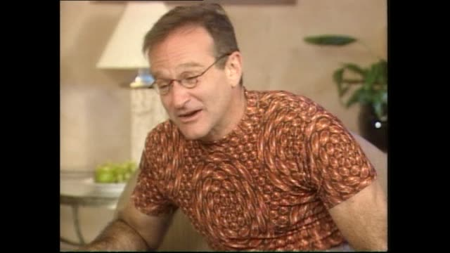 robin williams speaking animatedly about seeing the new zealand all blacks rugby team in 1997 during interview with host tony veitch - shirt stock videos & royalty-free footage