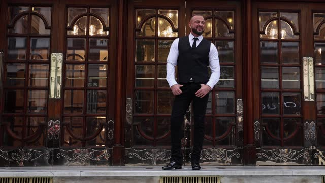 """robin windsor poses during the """"here come the boys"""" photocall at london palladium on may 25, 2021 in london, england. - イングランド南東部点の映像素材/bロール"""