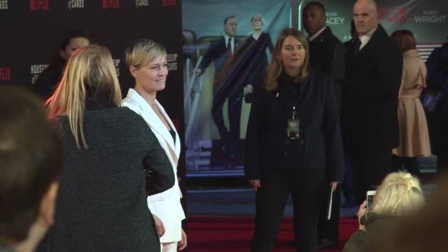 vídeos y material grabado en eventos de stock de robin wright at house of cards uk premiere at the empire cinema on february 26 2015 in london england - robin wright penn