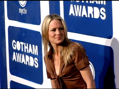 robin wright penn at the ifp's 15th annual gotham awards arrivals at pier 60 at chelsea piers in new york new york on november 30 2005 - chelsea piers stock videos & royalty-free footage