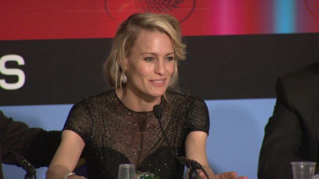vídeos y material grabado en eventos de stock de robin wright penn on working with the other jury members at the cannes film festival 2009 winners press conference at cannes - robin wright penn