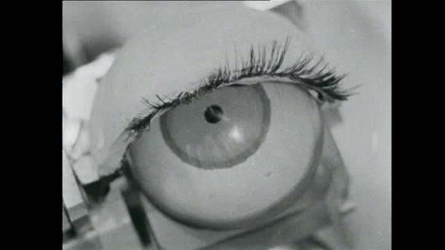 robot eye pupil dilating - stem topic stock videos & royalty-free footage