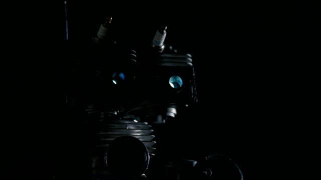 roboter aus maschine teil - einzelner gegenstand stock-videos und b-roll-filmmaterial