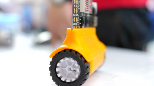 robot testing wheel - giocattolo video stock e b–roll