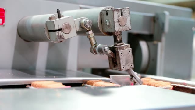 robotic arm in motion - packaging stock videos & royalty-free footage