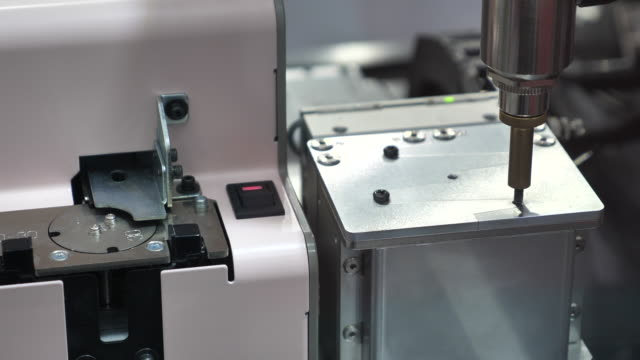 robotic arm in production line - motor video stock e b–roll