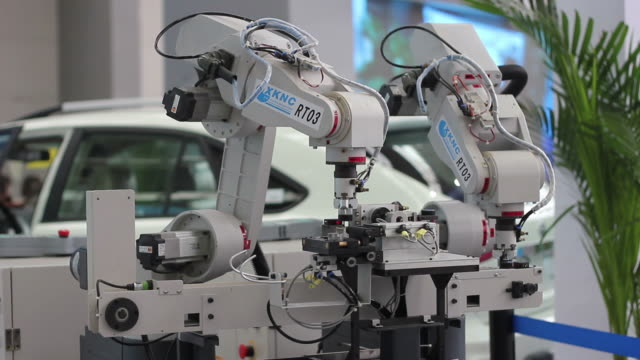 cu robotic arms/xian,shaanxi,china - automobile industry stock-videos und b-roll-filmmaterial