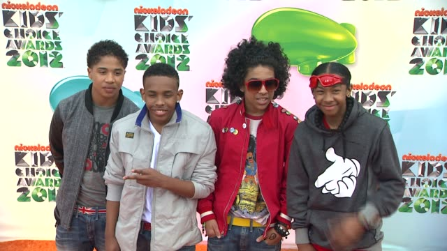 roc royal prodigy princeton and ray ray of mindless behavior at nickelodeon's 25th annual kids' choice awards on 3/31/2012 in los angeles ca - nickelodeon bildbanksvideor och videomaterial från bakom kulisserna