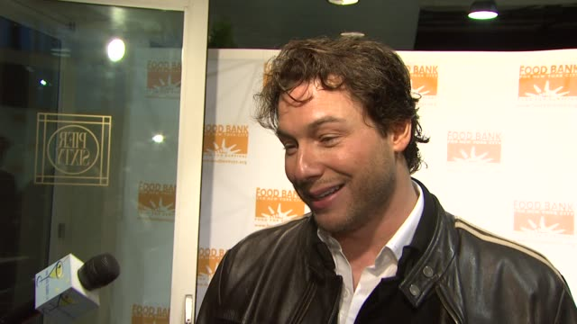 Rocco Dispirito talks about how chefs can help with the cause how America can eat healthy for cheap and all of his plans for 2009 at the Food Bank...