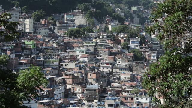 """ws, tu rocinha favela  / rio de janeiro, brazil"" - リオデジャネイロ点の映像素材/bロール"