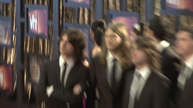 rock band rooney at the 14th annual critics' choice awards at los angeles ca - モダンロック点の映像素材/bロール
