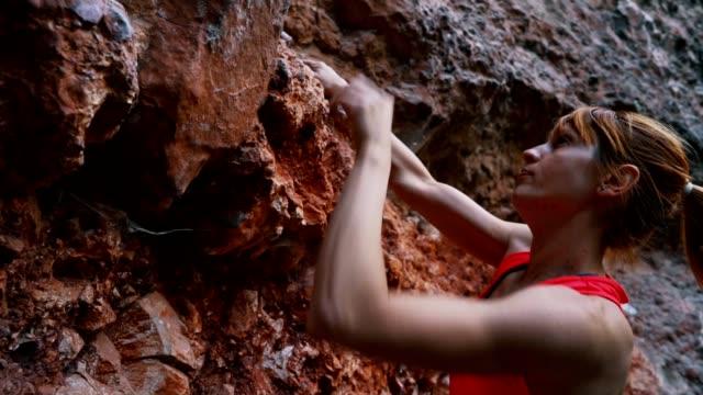 bergsklättring äventyr - friklättring bildbanksvideor och videomaterial från bakom kulisserna