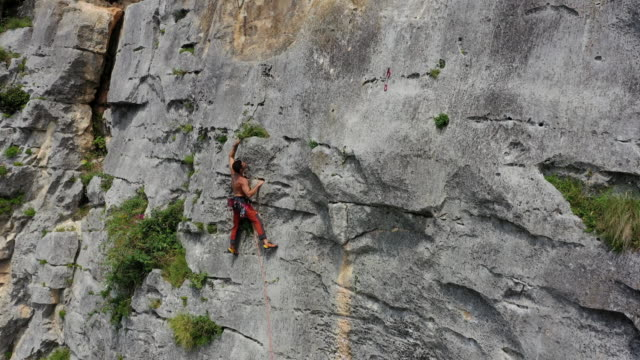 rock climbing in maiella national park, abruzzo, italy - clambering stock videos & royalty-free footage