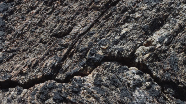 stockvideo's en b-roll-footage met rock detail - graniet