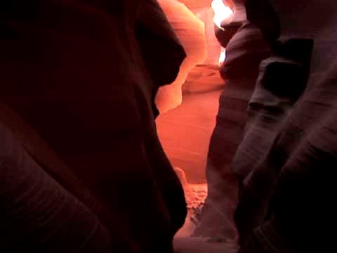cu, zi, rock formation, antelope canyon navajo tribal park, arizona, usa - スロット渓谷点の映像素材/bロール